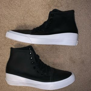 Converse Shoes - BNWT Mens Converse High-Top Leather Sneaker BlkWht